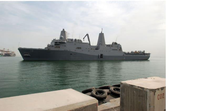 مسؤول بالبنتاغون لـCNN: البحرية الأمريكية رافقت أول سفينة شحن ضخمة عبرت هرمز بدون حوادث