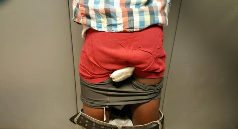 الشرطة الأمريكية تعتقل رجلاً حاول تهريب الهيروين بملابسه الداخلية