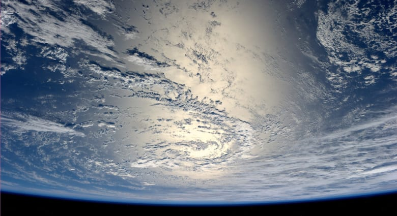مركز الفلك: سفينة الفضاء التائهة ستسقط بين الساعة 1 و7 صباحا ويمكن رؤيتها من اليمن والإمارات وقطر والبحرين والسعودية وعُمان بعد الساعة 4:24 فجرا