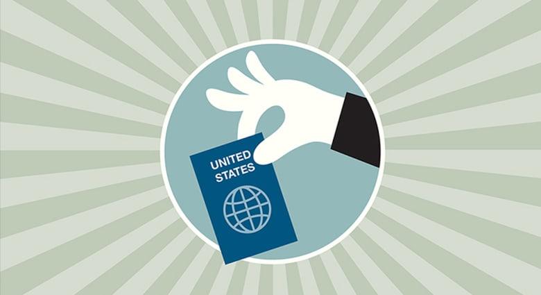 """رغم أنه الأقوى بالعالم... 1337 أمريكيا تخلوا عن جوازاتهم في 3 شهور و""""العم سام"""" يلاحق بالضرائب"""