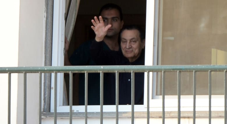 رغم معاقبتهم بالسجن المشدد لـ3 سنوات.. مبارك ونجلاه قد يستعيدون حريتهم قريباً ولكن..