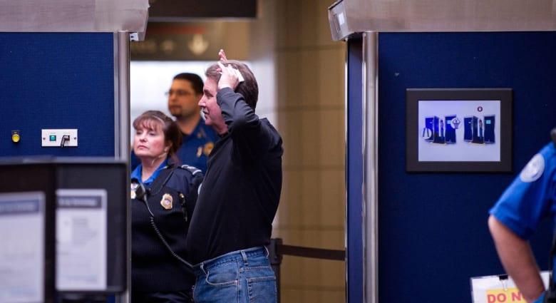 تقرير يشكك بكفاءة أجهزة تفتيش تفحص نحو مليوني مسافر يوميا بمطارات أمريكا