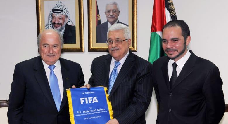 """""""معركة اعتراف"""" فلسطينية - إسرائيلية تشغل أروقة الفيفا وبلاتر بالمنطقة خلال أيام"""