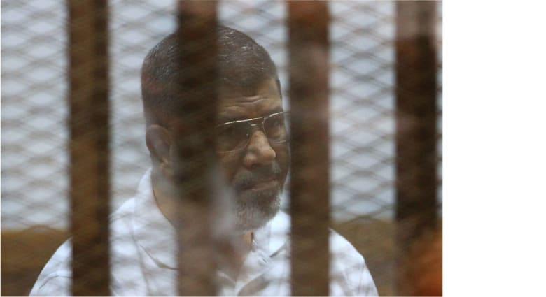 مصر: إحالة أوراق مرسي والقرضاوي وقيادات إخوانية إلى المفتي في قضيتي التخابر واقتحام السجون