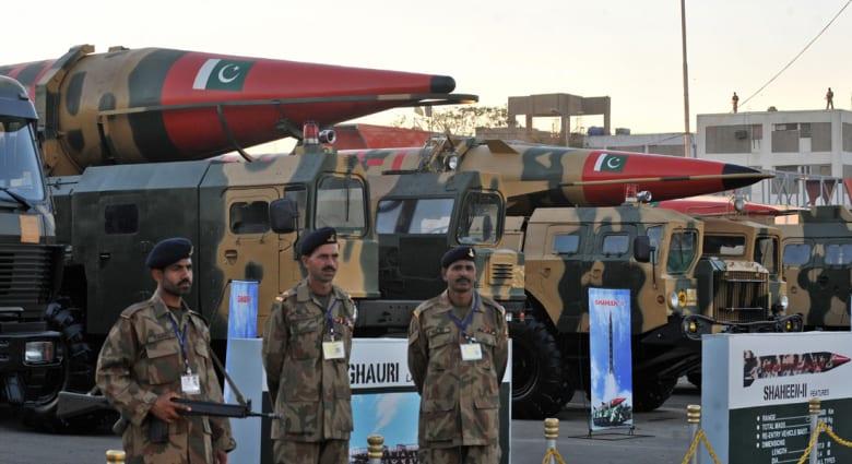 ما بين التخمينات وتوازنات القوى.. هل فعلاً تسعى السعودية للحصول على أسلحة نووية من باكستان؟
