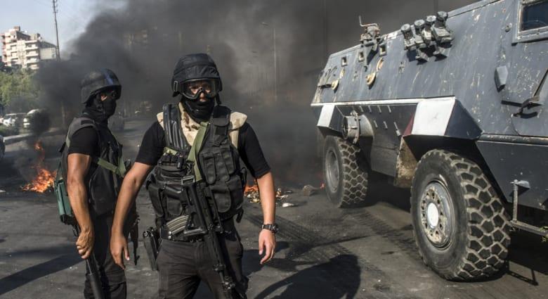 """آخرهم """"إخواني"""" سقط من شرفة مسكنه.. سلسلة ملاحقات للأمن المصري تنتهي بمقتل المطلوبين"""