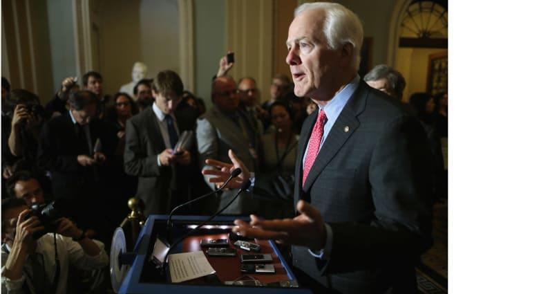 معارضون بمجلس الشيوخ الأمريكي يحبطون محاولات لتمديد العمل بقانون لمراقبة الهواتف مصمم لتعقب الإرهابيين