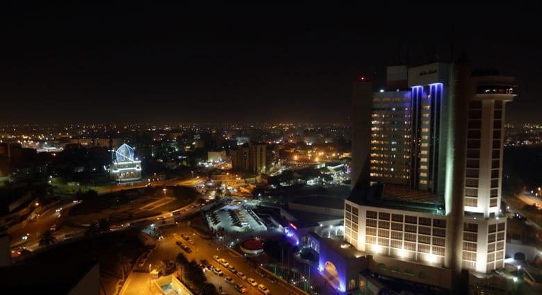 مصدران أمنيان لـCNN: انفجار سيارتين احداها بمرآب فندق بابل والأخرى قرب فندق شيراتون