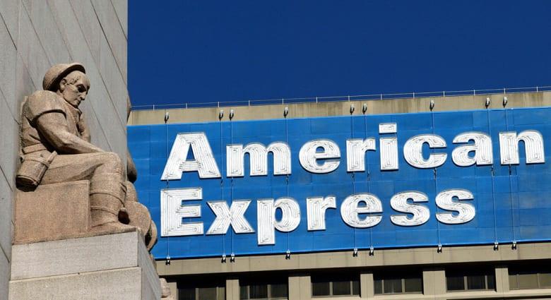 """وفاة رئيس """"أمريكان أكسبريس"""" عن 55 عاماً بعد وعكة أثناء رحلة جوية"""