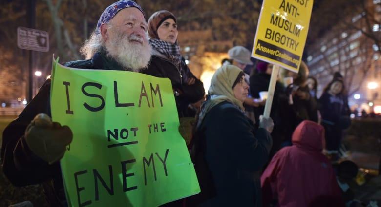 """""""رائدة"""" مسلمة تشكو تعرضها لـ""""تمييز عنصري ديني"""" خلال رحلة لطيران """"يونايتد"""" بأمريكا"""