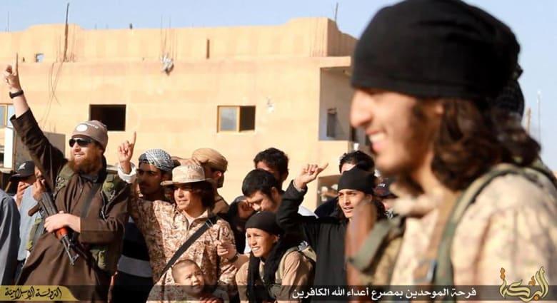 داعش يتقدم إلى مشارف الحسكة مستفيدا من سقوط تدمر.. ويقطع رؤوس ستة في دير الزور