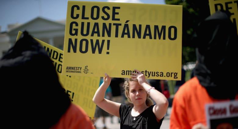البنتاغون يعلن نقل ستة من معتقلي سجن غوانتانامو إلى سلطنة عمان
