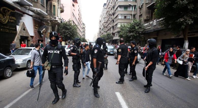 """مصر.. إحالة 58 عضواً بتنظيم """"مجهولون"""" للادعاء العسكري بتهمة """"الإرهاب"""""""