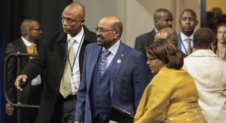 """الخارجية السودانية تقلل من أمر قضائي بـ""""منع"""" البشير من مغادرة جنوب أفريقيا: ليس هناك ما يهدد الرئيس"""