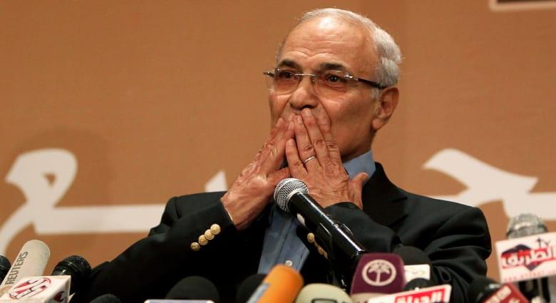 """بالفيديو.. شفيق يجدد الجدل حول """"تزوير فوز"""" مرسي ويعتبر مشكلة عودته لمصر بالخروج منها"""