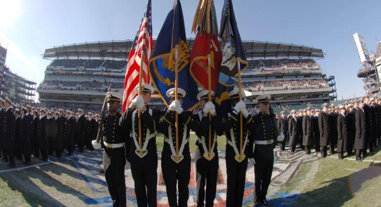 """إخلاء قاعدة للبحرية الأمريكية في فيلادلفيا بعد """"تهديدات جدية"""" غامضة"""