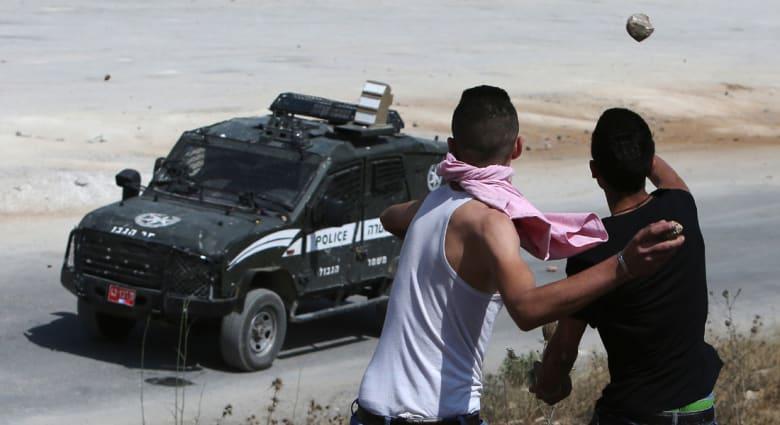 حماس تتبنى هجوماً يحمل عدة رسائل على سيارة للمستوطنين بالضفة الغربية