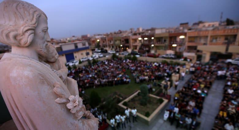 مسيحيو العراق يحاربون الاندثار فوق أنقاض بلداتهم.. ويحملون السلاح منعا لعودة داعش