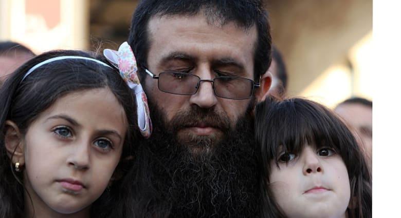 إسرائيل تعيد اعتقال خضر عدنان في القدس بعد يوم من إطلاق سراحه