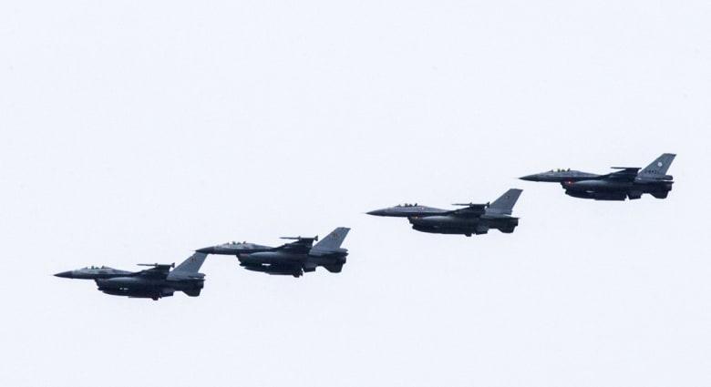 """السرب الأول من F-16 العراقية يهبط في """"بلد"""".. والعبادي يتعهد بالقصاص من """"داعش"""" بإطلاق عملية تحرير الأنبار"""