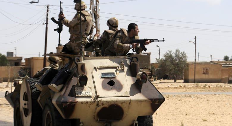 """جيش مصر يرفع ضحاياه إلى 7 قتلى ويحذر من الترويج لـ""""انتصارات زائفة للإرهابيين"""""""