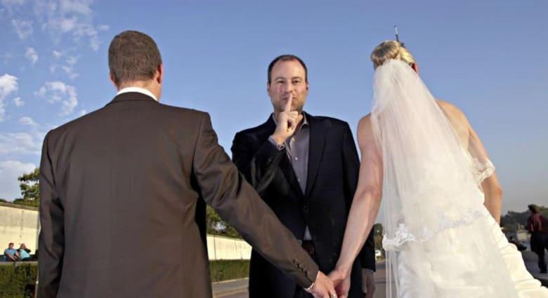 الشروط والأحكام لاستخدام موقع آشلي ماديسون للخيانة الزوجية تحمل مفاجآت مروعة