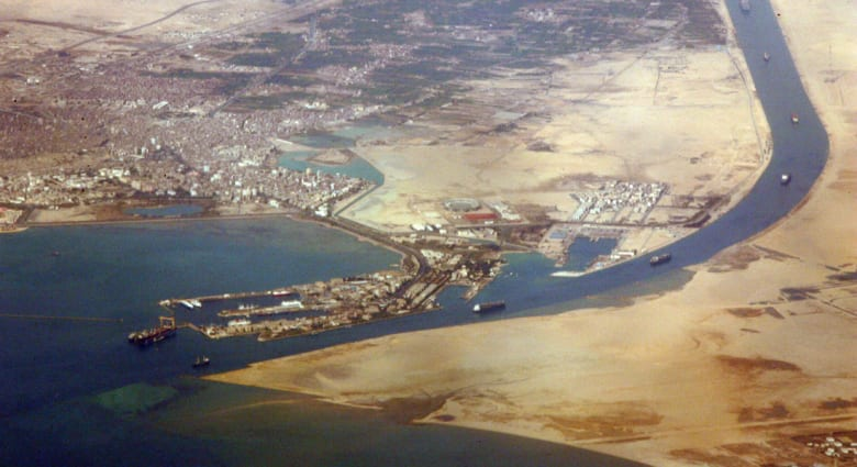 """هذه هي أبرز 3 """"مشروعات عملاقة"""" يترقبها المصريون بعد افتتاح قناة السويس الجديدة"""