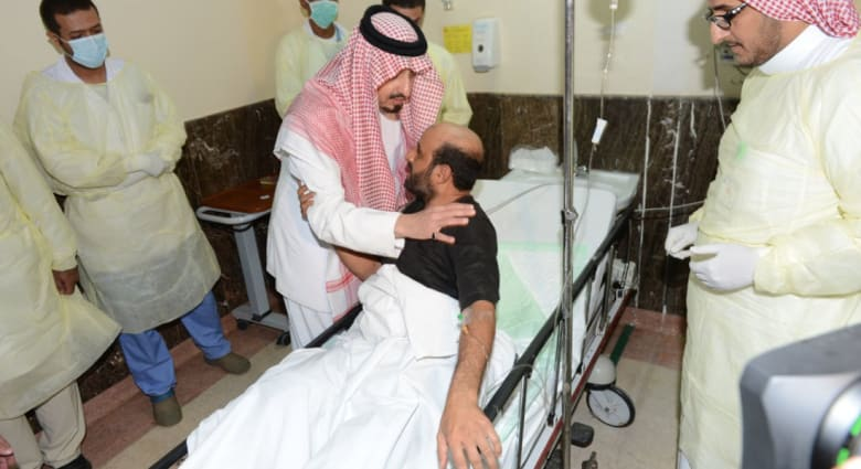 """السعودية.. 15 قتيلاً بتفجير استهدف مصلين من """"قوات الطوارئ"""" تبناه """"داعش"""""""