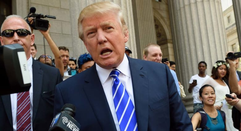 دونالد ترامب يطالب السعودية بدفع المال لأمريكا لقاء حمايتها من الزوال.. وسعوديون يردون بتويتر: وقح وغبي