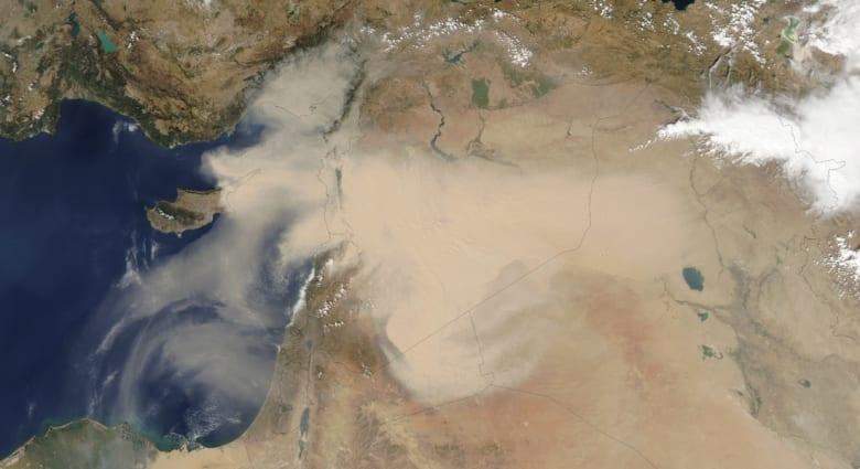 التقطت ناسا هذه الصورة الطبيعية للعاصفة الترابية التي اجتاحت الشرق الأوسط
