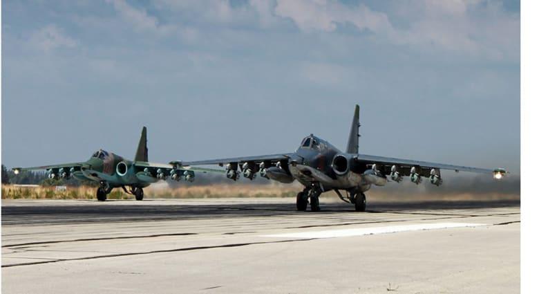 """روسيا: محادثات بين """"داعش"""" و""""النصرة"""" للتحالف ضد نظام الأسد.. و46 غارة جديدة خلال 24 ساعة في سوريا"""