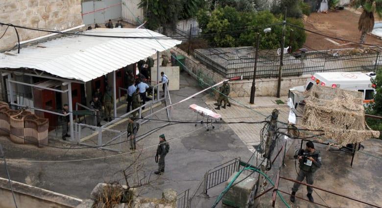 """شهود يروون لـCNN ملابسات مقتل """"فتاة الخليل"""".. الجنود أطلقوا النار عليها وسط صرخاتها: لا أحمل سكيناً"""