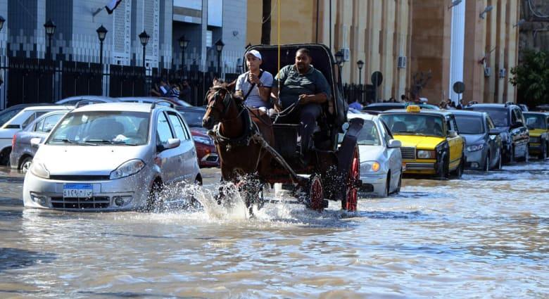 """بعد """"كارثة"""" الإسكندرية.. السيسي يأمر الحكومة بـ""""التحسب"""" ومراجعة استراتيجية إدارة الأزمات"""