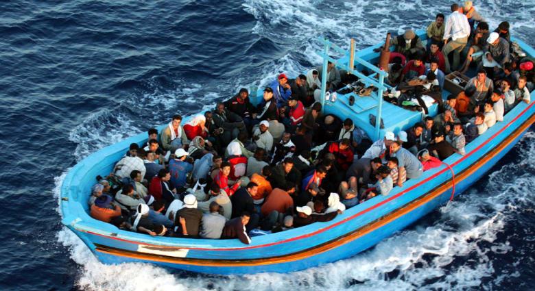 """عملية حسابية تثير ضجة واسعة: """"كم سورياً يجب أن ندفع من القارب حتى يظل طافياً؟"""""""