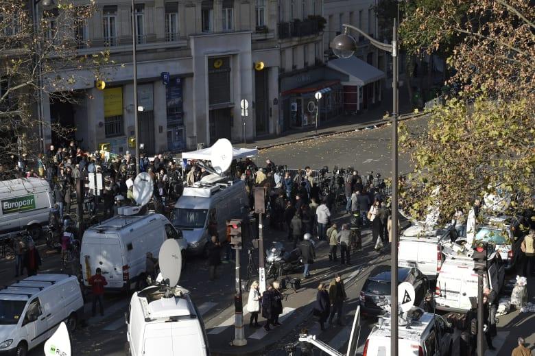 مصدر أمني فرنسي لـCNN: يحتمل أن بعض المرتبطين بالهجمات مازالوا طلقاء
