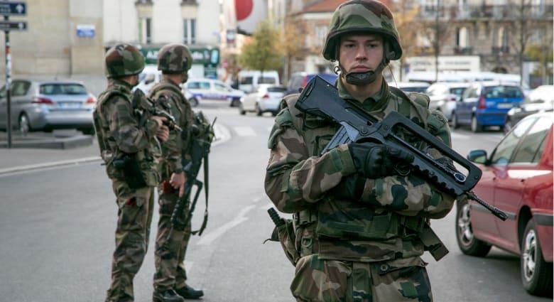 رئيس وزراء فرنسا: التشدد الإسلامي والسلفي عدو لفرنسا.. وفابيوس: لن نتساهل مع الحكومات التي تمول الإرهابيين