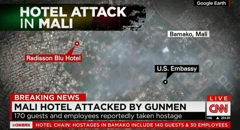 احتجاز 170 رهينة بفندق بمالي.. الـUN: مقتل فرنسي وماليين اثنين.. وشاهد لـCNN: المسلحون دخلوا بسيارة دبلوماسية