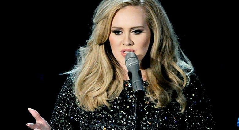 """المغنية أديل لن تسمح برفع ألبومها المنتظر """"25"""" إلى الإنترنت"""