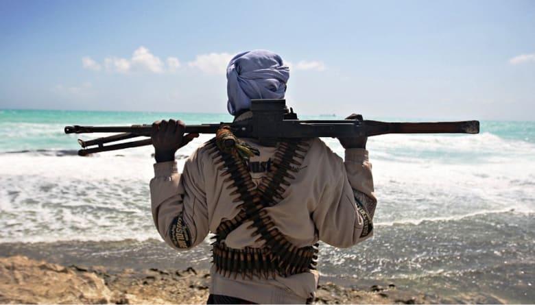 بعد اختطاف سفينتين إيرانية وتايلاندية.. خبير: احتمال عودة القرصنة في الصومال عال جدا