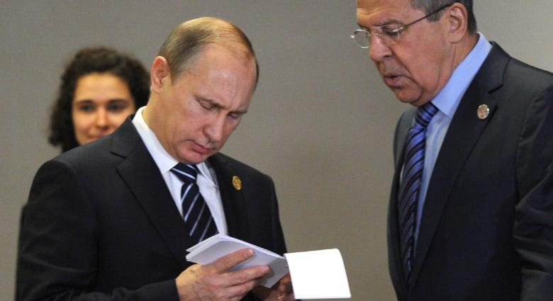 روسيا.. بوتين يأمر بوقف رحلات الطيران إلى تركيا ويكلف الحكومة بوقف العمالة التركية