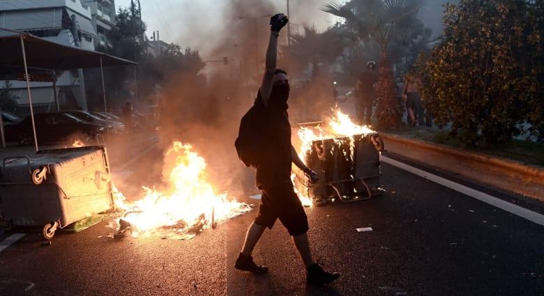 """رأي.. """"الكتابة ضد التطرف كبديل للنقاش حول الديمقراطية"""""""