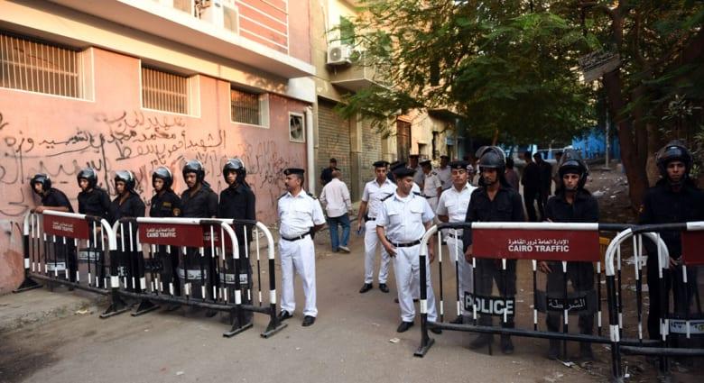"""مصر.. إدانة ضابطين بـ""""تعذيب محام حتى الموت"""" والمحكمة تفاجأ بعدم مثولهما بقفص الاتهام"""