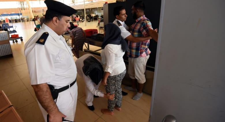"""مصر.. الحكومة تبحث الاستعانة بـ""""مستشار أجنبي"""" لتقييم أمن المطارات و""""طمأنة"""" الخارج"""