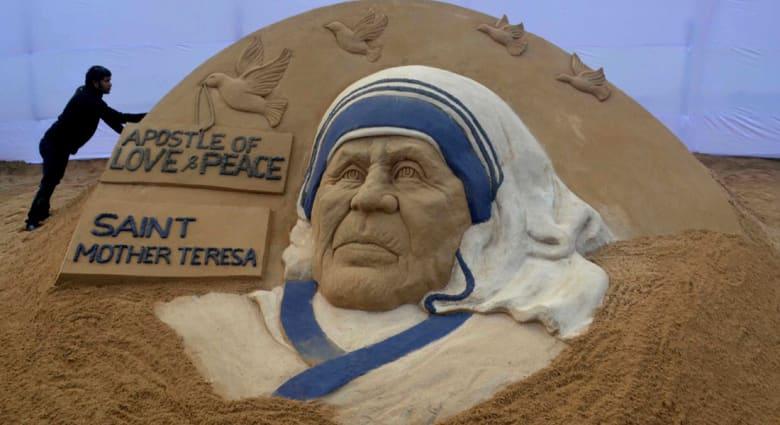 """""""المعجزة الثانية"""" تمهد الطريق أمام بابا الفاتيكان لإعلان الأم تريزا """"قديسة"""""""