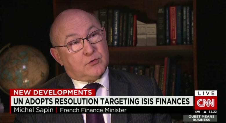 وزير مالية فرنسا لـCNN: داعش يجني أمواله من 3 أمور.. ومسألة قدرة التنظيم على استلام أموال من الخارج حُسمت