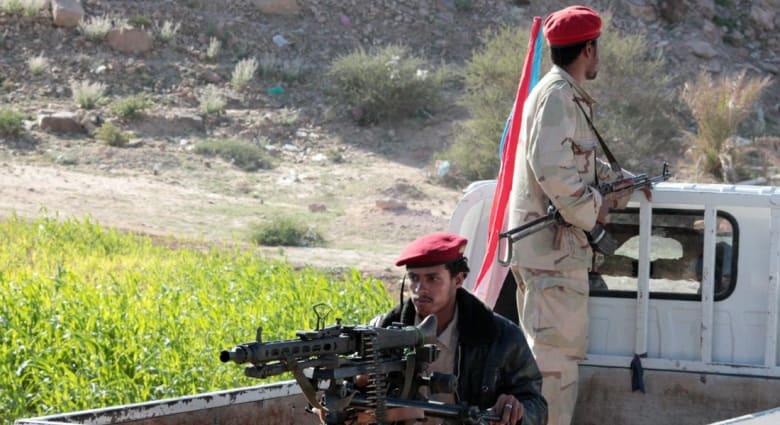 """القوات الحكومية """"على مرمى حجر"""" من مطار صنعاء وعملية تنطلق نحو المنافذ البحرية"""