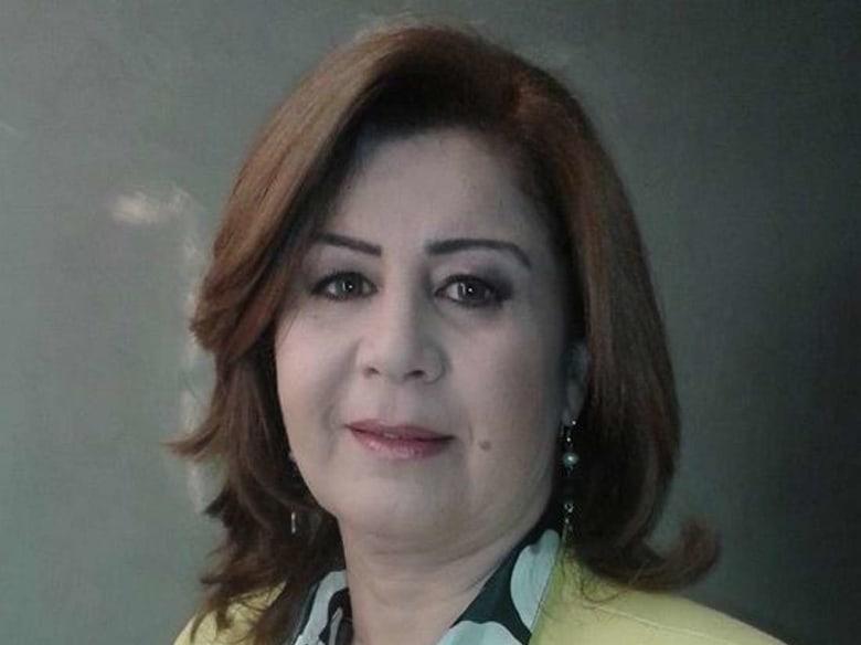"""السلطات المصرية تمنع دخول الكاتبة التونسية آمال قرامي.. والأخيرة تصرّح: """"وجدت نفسي في خانة الإرهاب"""""""
