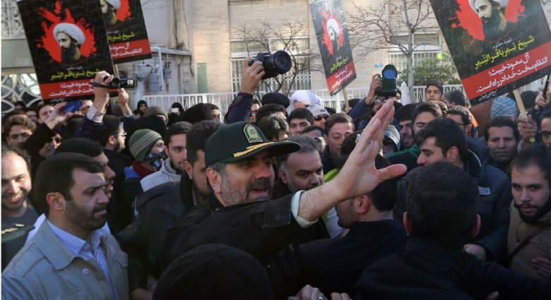 """الخارجية الإيرانية: ندعو حكومات المنطقة إلى وضع حد لسياسات السعودية """"العقيمة"""".. ولاريجاني يستقبل سفير سلطنة عُمان"""