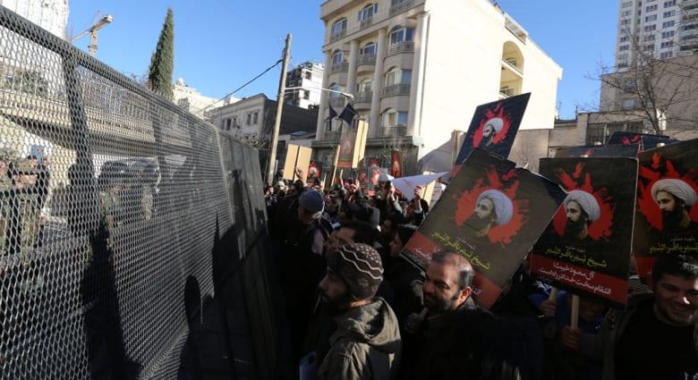 قطر تستدعي سفيرها من طهران احتجاجا على مهاجمة البعثة السعودية.. وجيبوتي تقرر قطع العلاقات