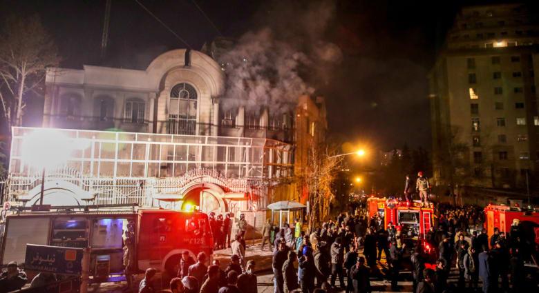 """خطبة الجمعة في طهران ومشهد: الاعتداء على السفارة السعودية في إيران """"مؤامرة سعودية"""".. وإعدام النمر """"جريمة"""""""